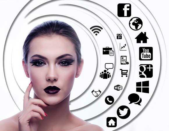 Creación Redes Sociales RRSS